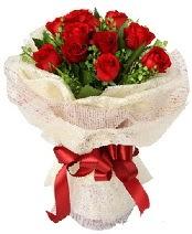 12 adet kırmızı gül buketi  Çorum çiçek online çiçek siparişi