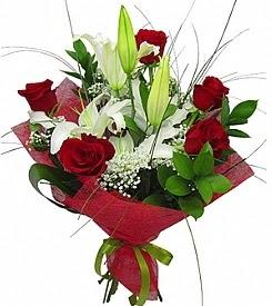 1 dal kazablanka 5 kırmızı gül buketi  Çorum yurtiçi ve yurtdışı çiçek siparişi