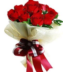9 adet kırmızı gülden buket tanzimi  Çorum çiçek gönderme