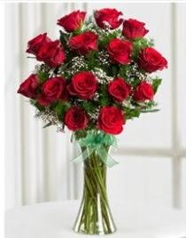 Cam vazo içerisinde 11 kırmızı gül vazosu  Çorum çiçek online çiçek siparişi