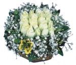 Çorum çiçek siparişi vermek  Beyaz harika bir gül sepeti