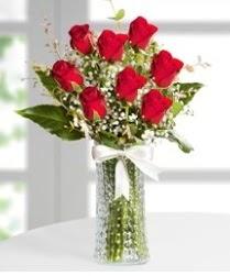 7 Adet vazoda kırmızı gül sevgiliye özel  Çorum çiçekçiler