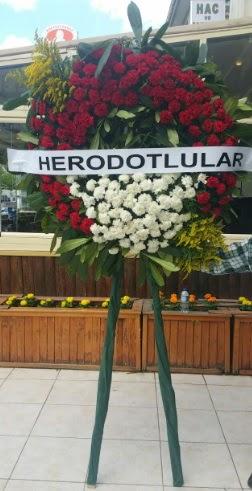 Cenaze çelengi cenazeye çiçek modeli  Çorum ucuz çiçek gönder