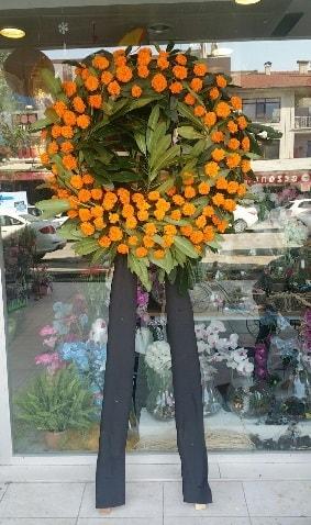 Cenaze çiçeği cenaze çelengi çiçek modeli  Çorum çiçek satışı