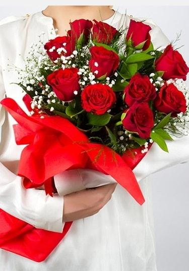 Aşk Gülleri 11 Adet kırmızı gül buketi  Çorum çiçek , çiçekçi , çiçekçilik