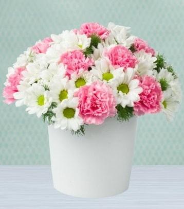 Seramik vazoda papatya ve kır çiçekleri  Çorum çiçekçiler