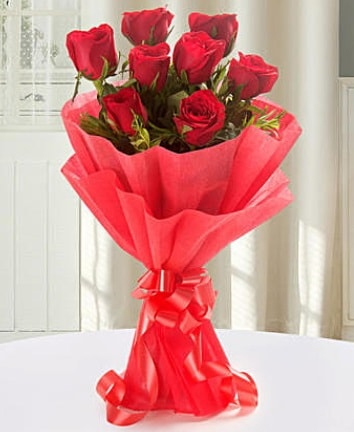 9 adet kırmızı gülden modern buket  Çorum çiçek yolla