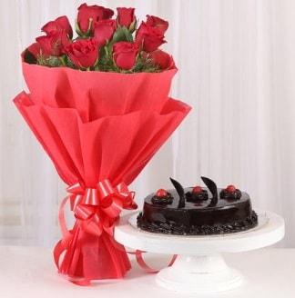 10 Adet kırmızı gül ve 4 kişilik yaş pasta  Çorum internetten çiçek siparişi
