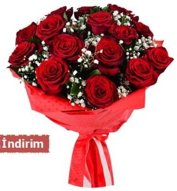 12 Adet kırmızı aşk gülleri  Çorum ucuz çiçek gönder