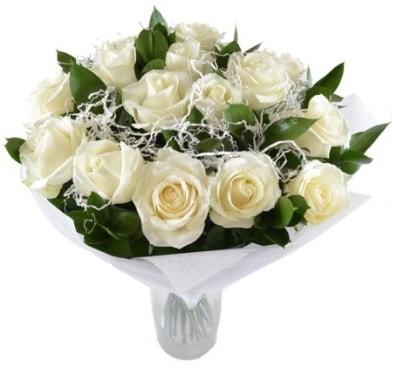 15 beyaz gül buketi sade aşk  Çorum ucuz çiçek gönder