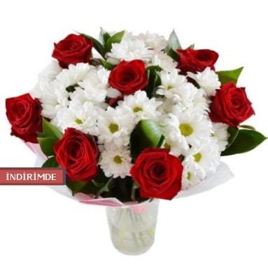 7 kırmızı gül ve 1 demet krizantem  Çorum çiçek gönderme